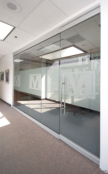 Chicago herculite glass door systems chicago herculite for Glass wall door systems