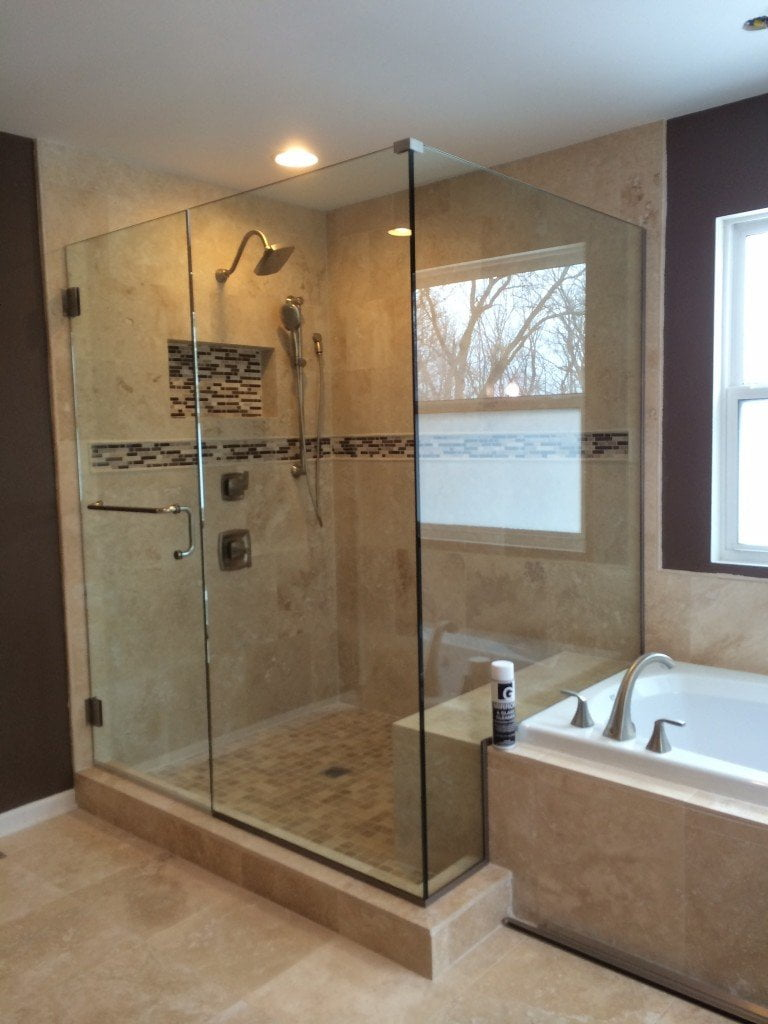 Chicago Frameless Glass Shower Doors | GlassWorks Since 1977