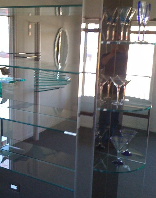 Chicago Glass Shelving | Chicago Bar Glass Shelves | GlassWorks