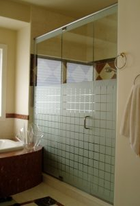 Glass shower doors Naperville Neo-Angle